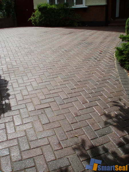 Block paved driveway after cleaning and sealing